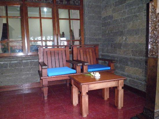Hotel Puri Rai: et sa terrasse
