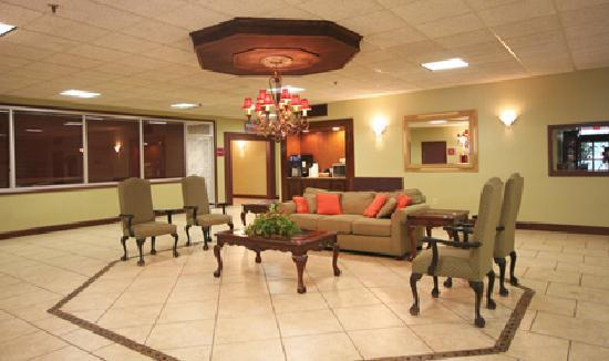 Ramada Asheville / Biltmore West: Lobby Area