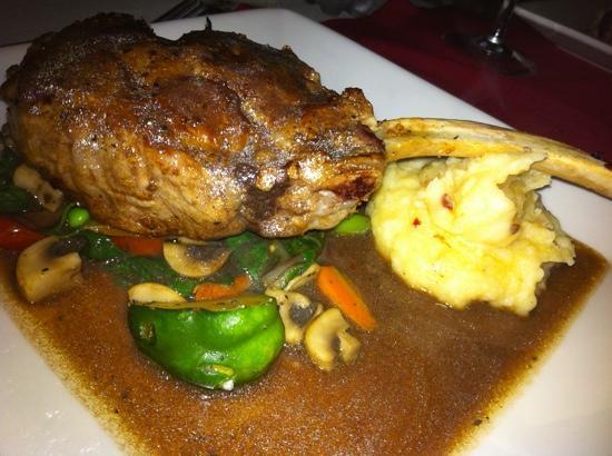 Peter's Restaurante: stuffed veal chop