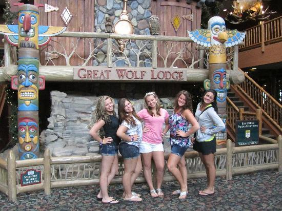 Great Wolf Lodge: The Great Wolf lobby