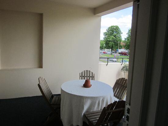 AnsGarhus Motel: Balcony