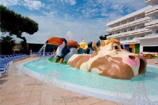 Hotel Condesa de la Bahía: Splash!