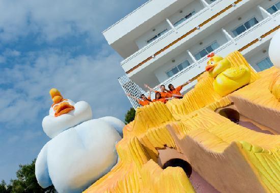 Hotel Condesa de la Bahía: Splash!!!