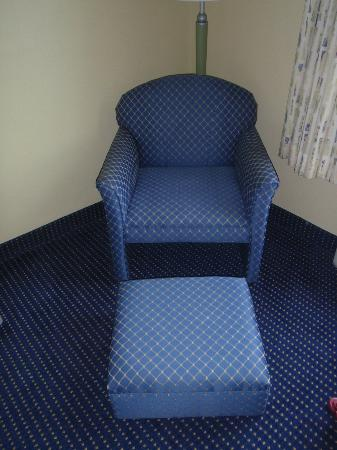 Hampton Inn Ft. Lauderdale /Downtown Las Olas Area, FL.: comfy chair with foot rest