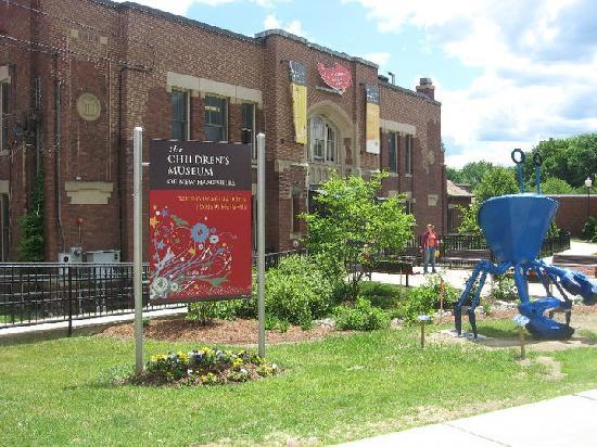 Hampton Inn Dover: Kids will love the Childrens Museum!