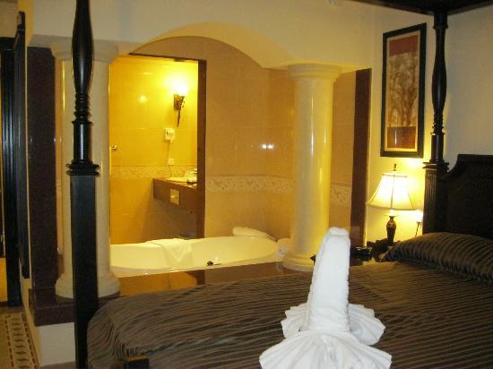 Hotel Riu Emerald Bay Jacuzzi In Room