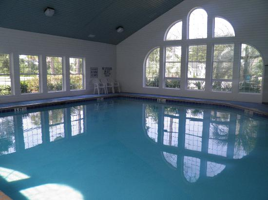 Brunswick Plantation Golf Resort: Indoor Pool Commons l