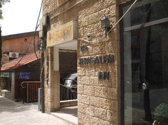 Jerusalem Inn Hotel: front of hotel