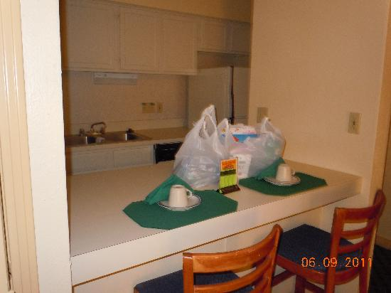 Orangewood Suites: kitchen area
