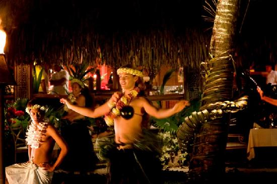 InterContinental Bora Bora Le Moana Resort: Polynesian Group Danse