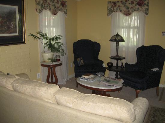 Lovettsville Bed & Breakfast : a sitting area