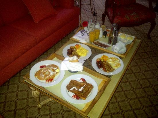 The Chesterfield Palm Beach: Amazing room service! We had English breakfast, pancakes, French toast, fresh OJ & Starbucks cof