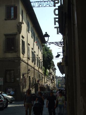 Hotel Ottaviani: Road