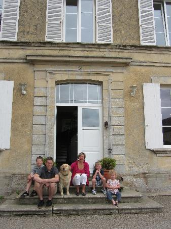 La Fresnee : My family with Catherine out front
