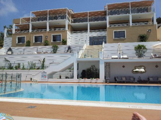 Skiathos Premier Hotel: POOL AND UPPER ROOMS