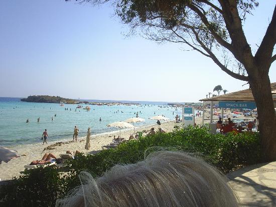 Chrystalla Hotel : lovely beach