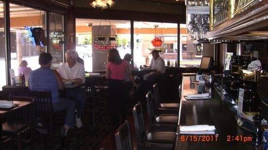 Jake's Restaurant: casino bar