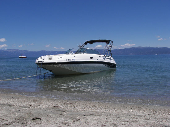 Lake Tahoe Boat Rides: 28 foot boat with all the amenities