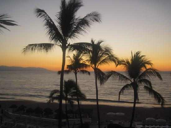 Buenaventura Grand Hotel & Great Moments All Inclusive: Beautiful Sunset from our room