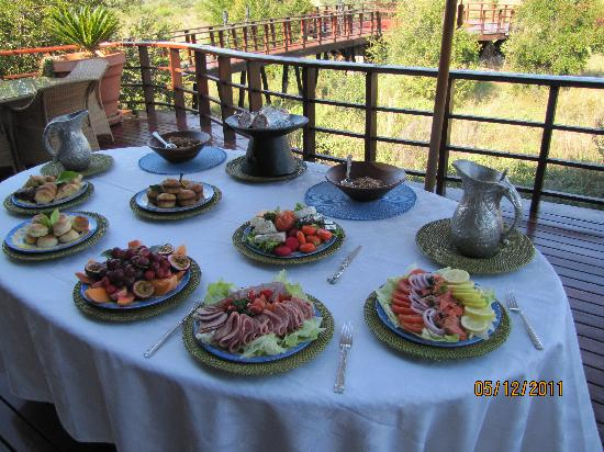 Mateya Safari Lodge: Cold Breakfast at Mateya