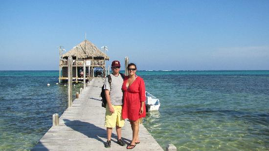 Grand Caribe Belize Resort and Condominiums: Enjoying the Palapa Bar, right down the beach from Grand Caribe