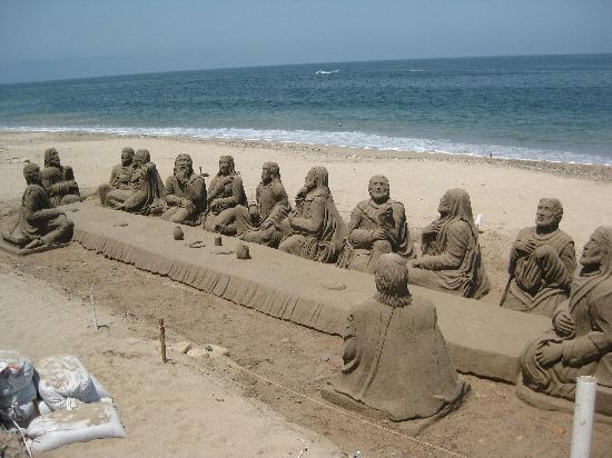 Puerto Vallarta, Mexiko: sand sculpture along malecon