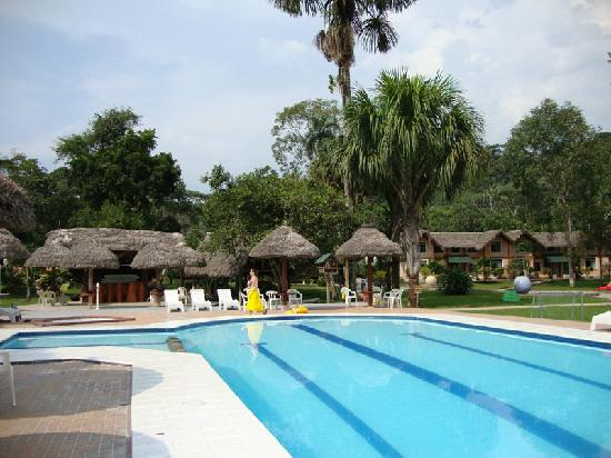 Piscina y caba as picture of misahualli amazon lodge for Amazon piscinas