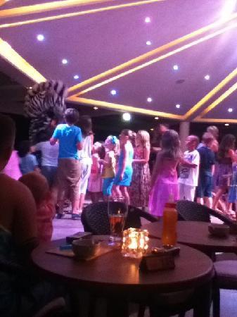 Olympic Lagoon Resort: kids entertainment