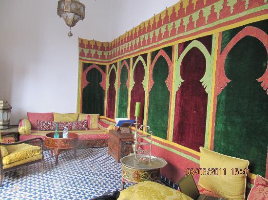 Ryad 53 : le salon marocain