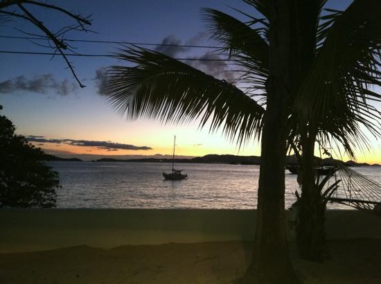 هيلكريست جيست هاوس: sunset at frank bay, a five minute walk from hillcrest.