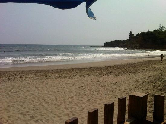 Hostal Sole Mare: beach in front of the hostel