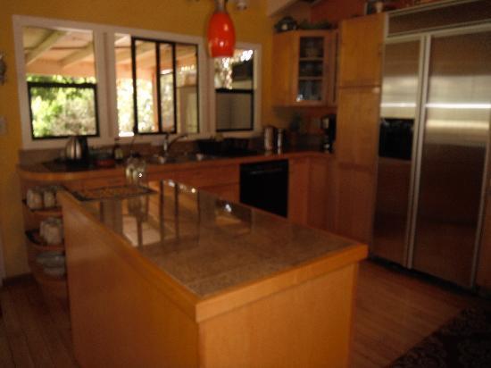 Hale Ho'omana: the kitchen
