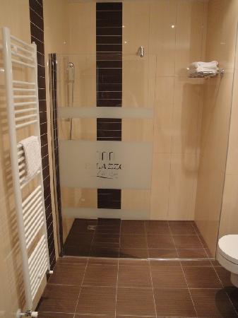 Grand Hotel Palazzo: Badezimmer