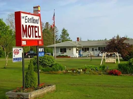 Eastland Motel: Look for the sign with Lighthouse