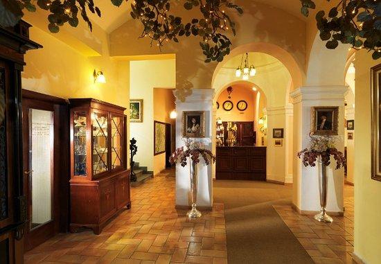 Hotel Julian: Reception