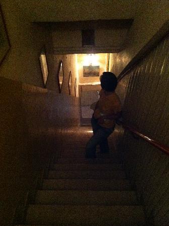 casa chiumento: 樓梯,要自己拿行李,加油!