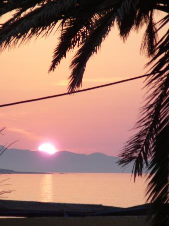 Agios Stefanos, Yunani: sunset from the Nafsica terrace