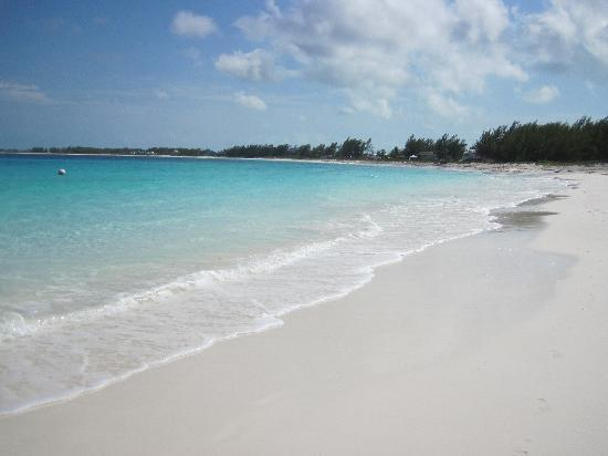 Great Harbour Cay : The only footprints are yours