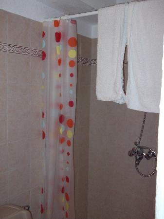 Kyriakos Apartments: shower room 4