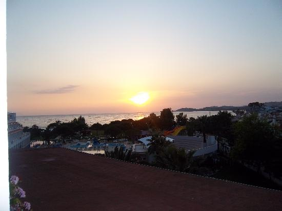 Batihan: sunset from my sisters room