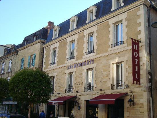 Hôtel Les Remparts : Front view