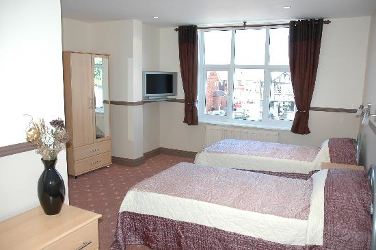 Hussar Hotel: Our twin rooms