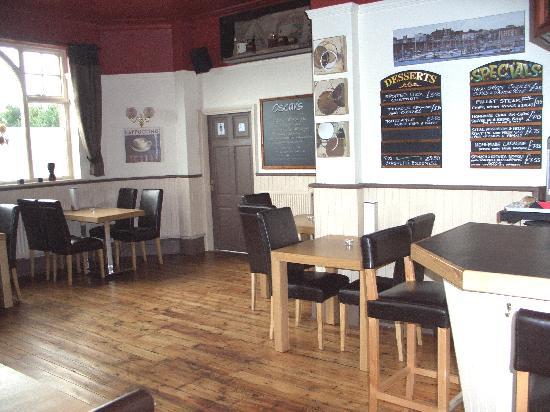 Hussar Hotel: Oscar cafe bar