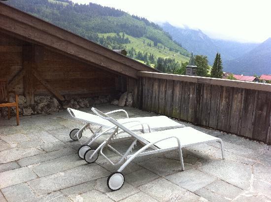 Lanig Resort und Spa : Terrasse unserer Stadl-Suite