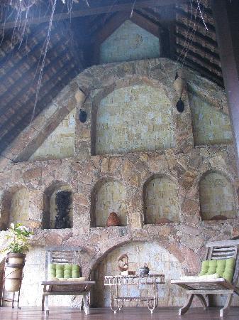Cachoeira Inn: View under the upstairs pavillion