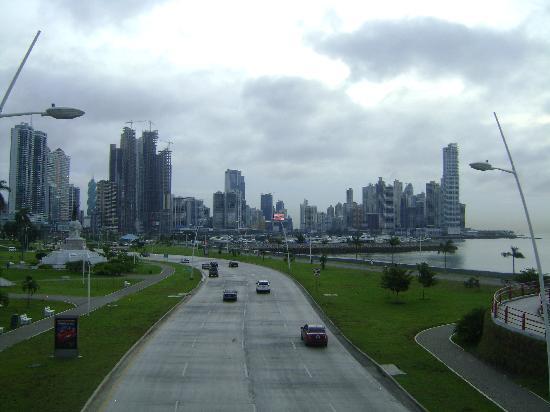 Avenida Balboa: Panama City Panama - Coastal Belt