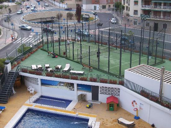 Hotel Maya Alicante: Pista de tenis