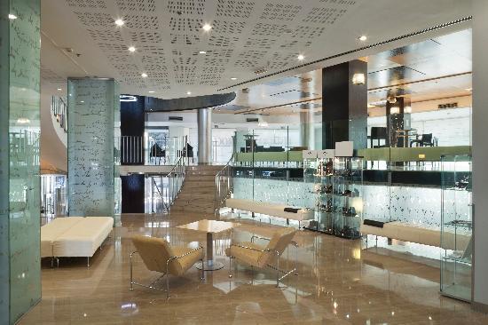 Hotel Alameda Plaza: Hotel lobby