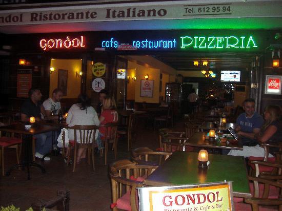 Gondol Cafe Restaurant: s'avonds