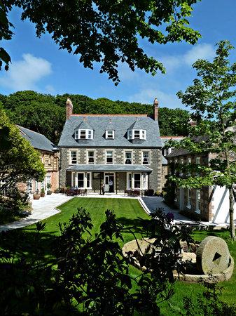 Sark, UK: Stocks Hotel Front Garden